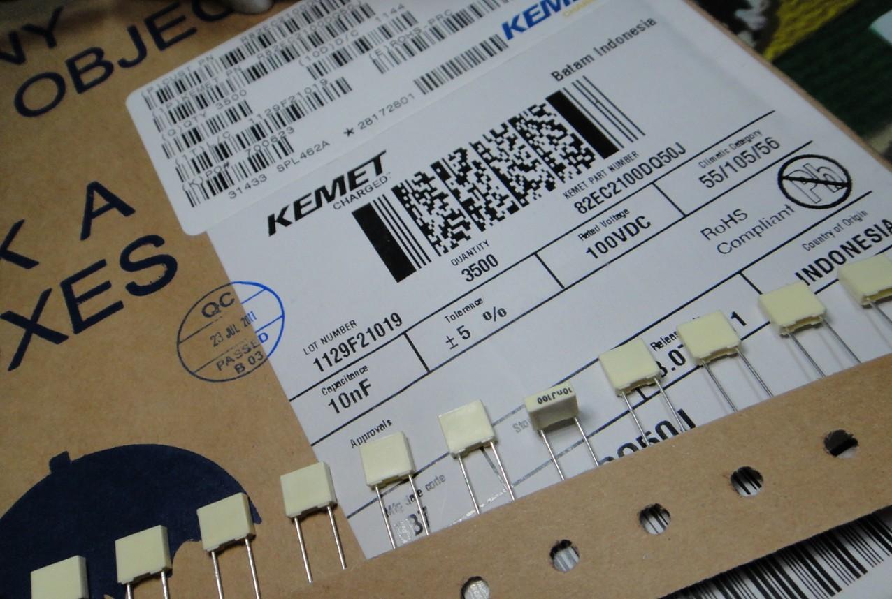R82EC2100DQ50JKemetCAP FILM 10000PF 5% 100VDC RAD